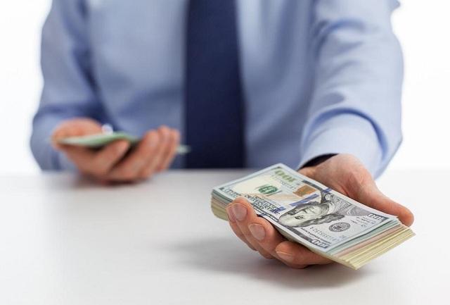 Bạn có thể rút tiền ở dạng ngoại tệ với vay thấu chi