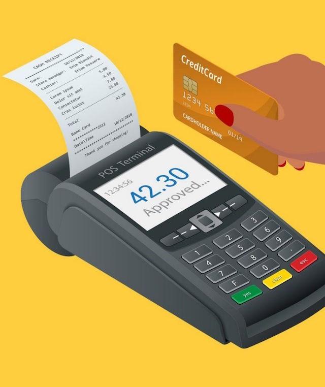 Chủ thẻ nên ký vào mặt sau của thẻ để đảm bảo kẻ xấu không thực hiện các giao dịch bất chính