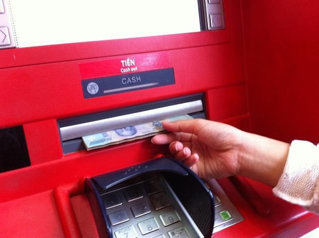 Để đăng ký mở thẻ tín dụng Techcombank, bạn cần đáp ứng thu nhập tối thiểu 6 trđ/tháng