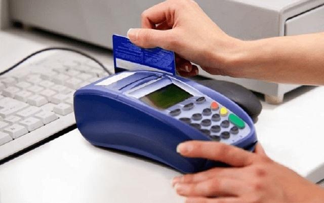 Máy Pos hiện đang là xu hướng nhiều người dùng để rút tiền mặt từ thẻ tín dụng