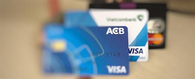Rút tiền bằng thẻ VISA