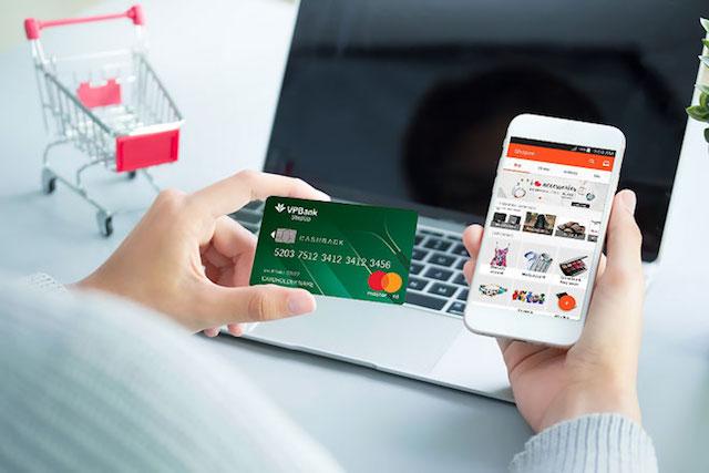 Thanh toán nhanh chóng, dễ dàng, thuận tiện với thẻ tín dụng