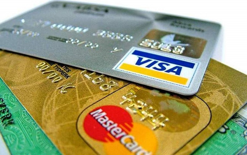Thẻ thanh toán quốc tế giúp việc mua sắm trở nên dễ dàng hơn