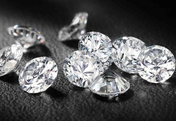 Kim cương nhân tạo có cấu trúc tương tự kim cương tự nhiên