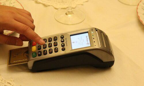 Máy POS giúp việc thanh toán trở nên đơn giản hơn