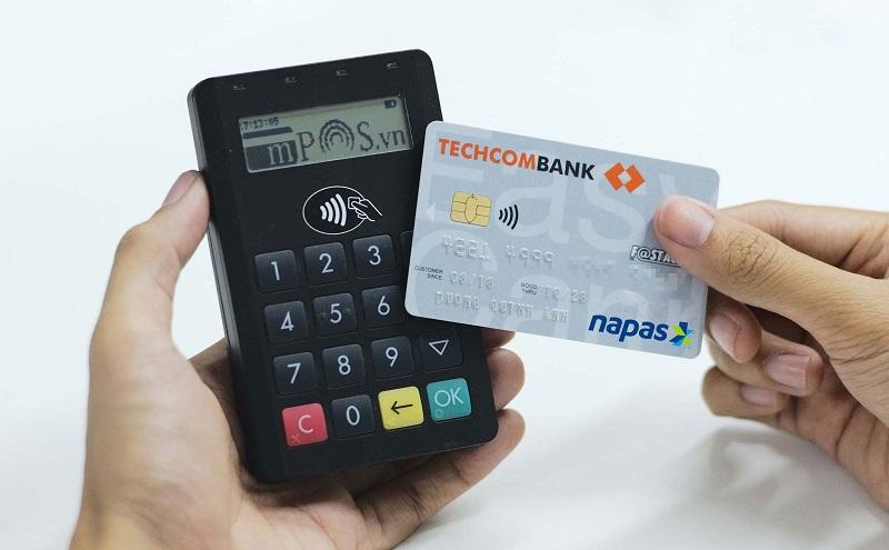 Mở thẻ ghi nợ Techcombank