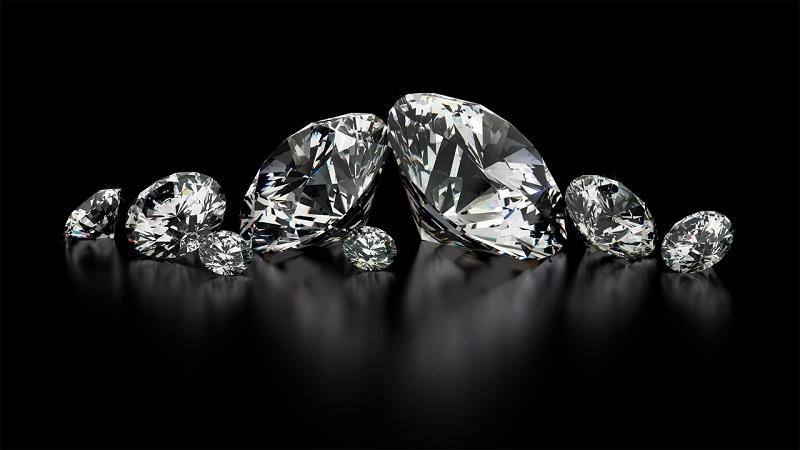 Cần phân biệt kim cương nhân tạo và đá CZ