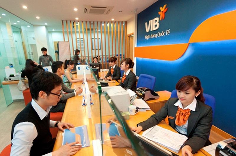 Thời gian làm việc tại các chi nhanh của ngân hàng VIB