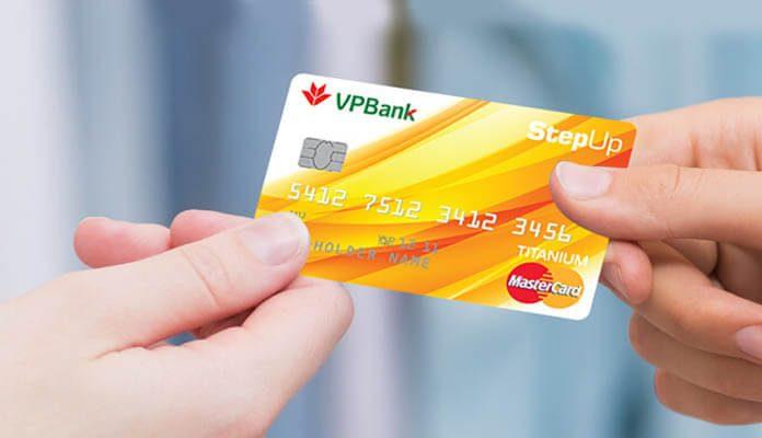 Chủ thẻ StepUP được miễn phí thường niên