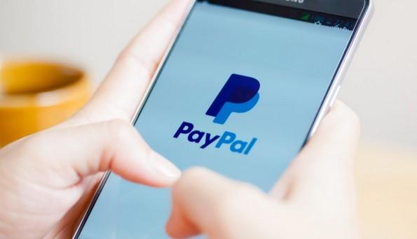 Rút tiền từ PayPal về Việt Nam phải chịu phí