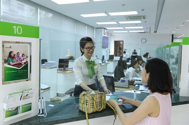 Thực hiện giao dịch tại ngân hàng Vietcombank