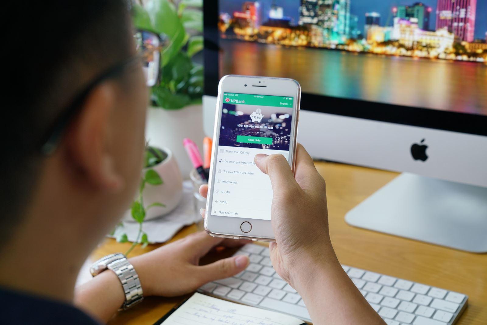 Tiến hành thấu chi tài khoản tiết kiệm online để tìm kiếm giải pháp tài chính hữu hiệu